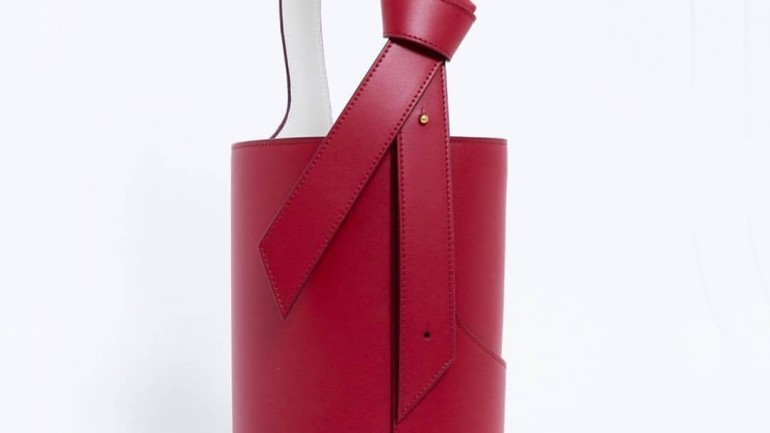 Fashion Drawstring Leather Bag – How Fashion Literally Embraces Comfort in the Form of Drawstring and Bucket Bags?